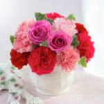 母の日のギフトは忘れずに花束セット配送を予約